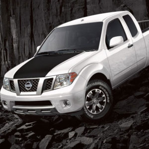 Nissan Frontier with Black Hood Cowl